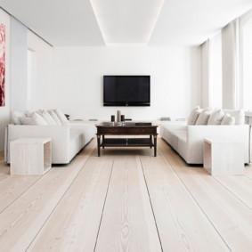 Grande salle minimaliste