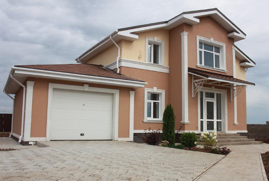 Maison moderne avec garage attenant