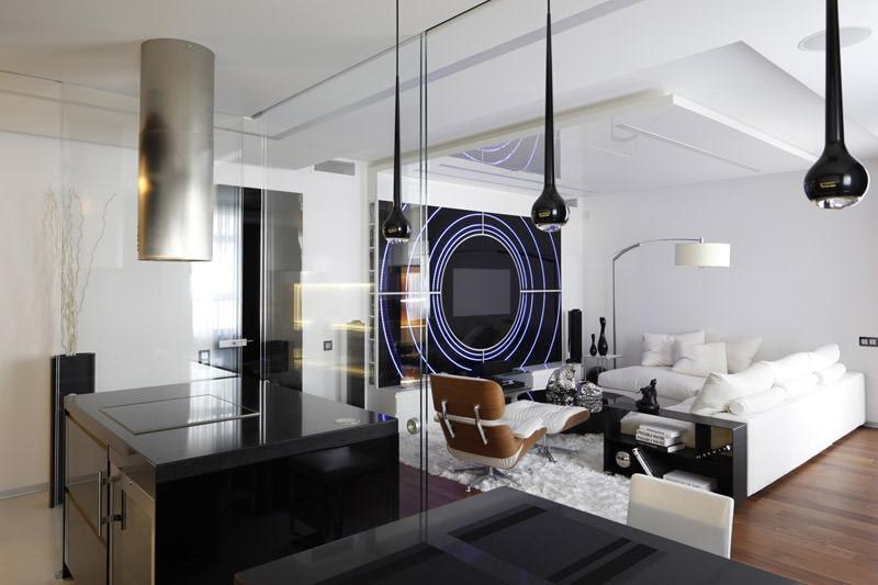 Salle high-tech noir et blanc