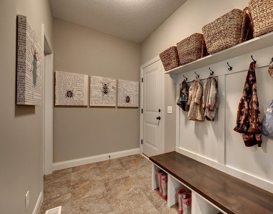cintres muraux dans les idées de couloir
