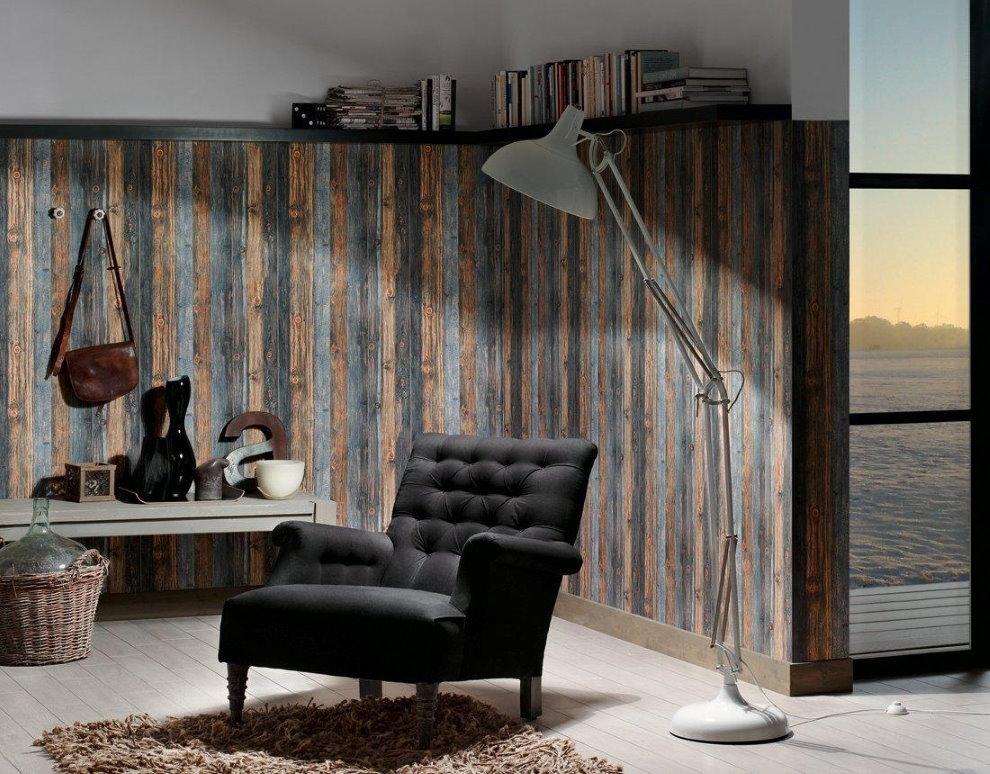 Garniture en bois des murs d'un petit salon
