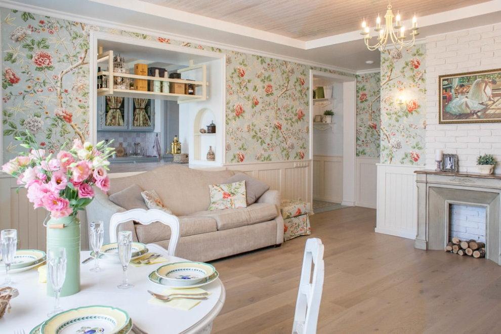 Papier peint à fleurs dans le style hall de Provence