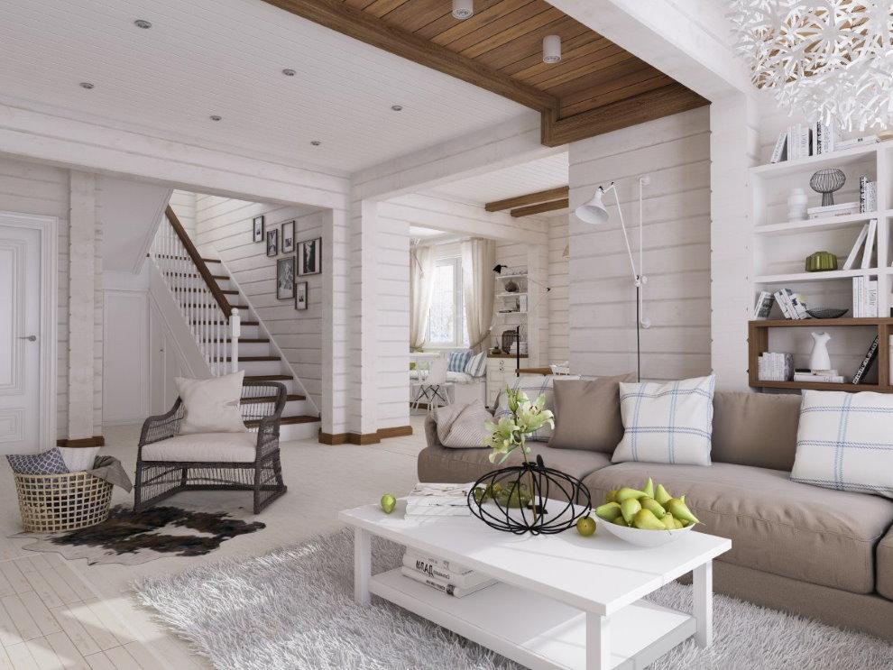 Murs blancs d'une maison faite de poutres en bois