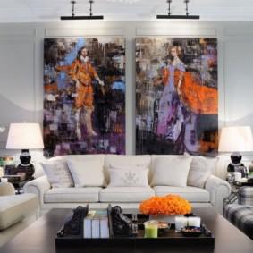 Trang trí tường sáng trong phòng khách