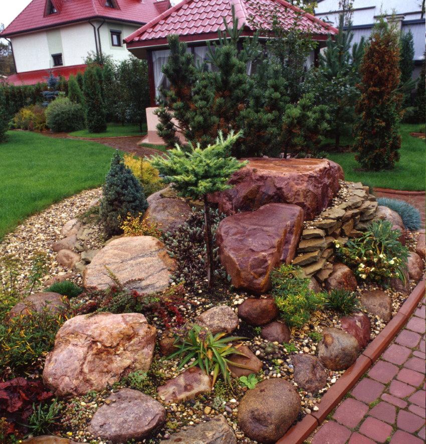 Petit jardin de rocaille au chalet
