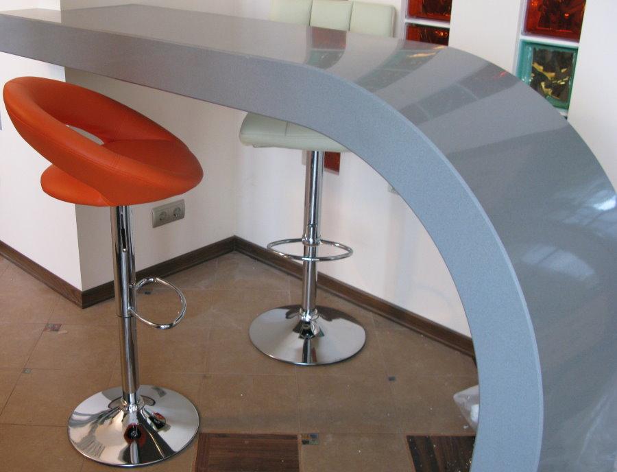 Comptoir de bar en acrylique à courbure lisse