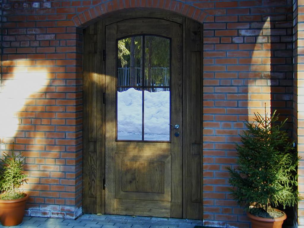 décor de porte d'entrée en bois