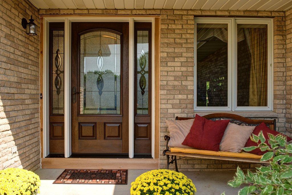 photo de conception de porte d'entrée en bois