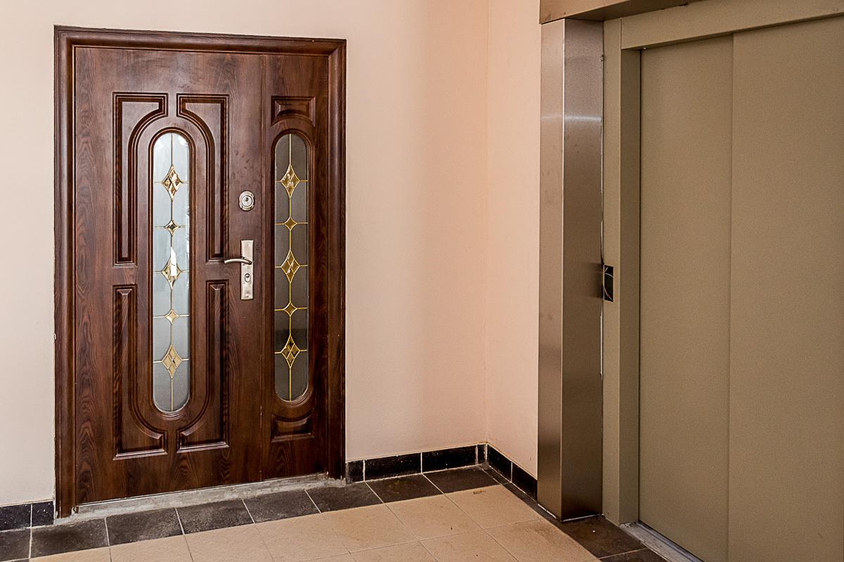 conception de photo de porte d'entrée en bois