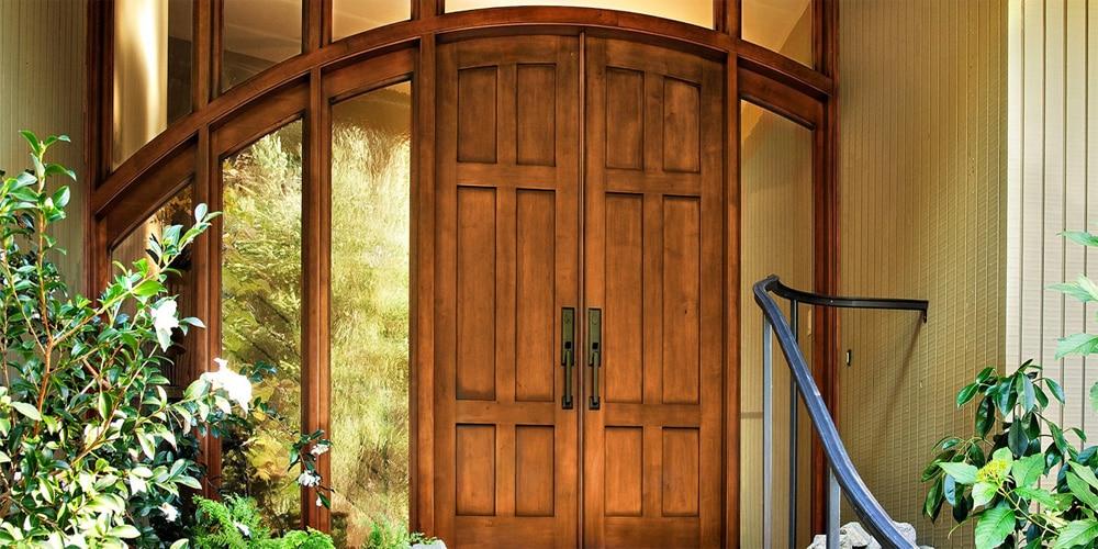 porte d'entrée en frêne