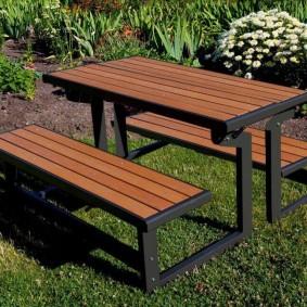 Meubles de jardin en bois et métal
