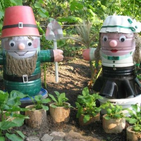Sculptures de jardin de vieilles bouteilles