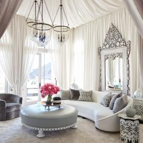 Décor rideaux salon de style oriental