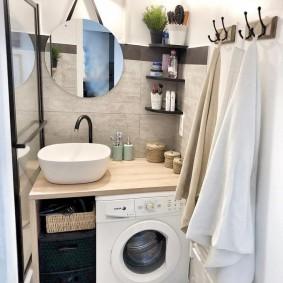 Petite salle de bain rustique