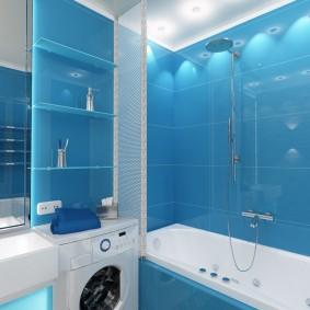 Carreaux bleus dans une petite salle de bain