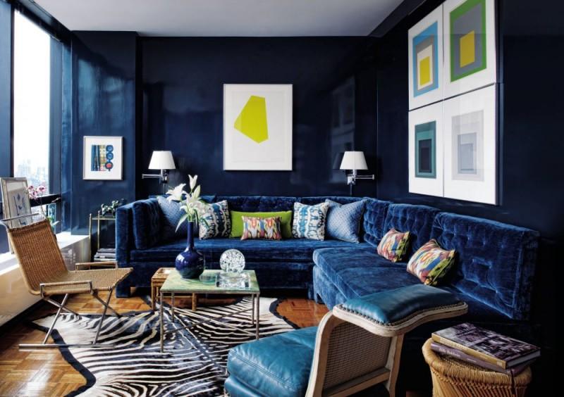 L'intérieur du salon en bleu