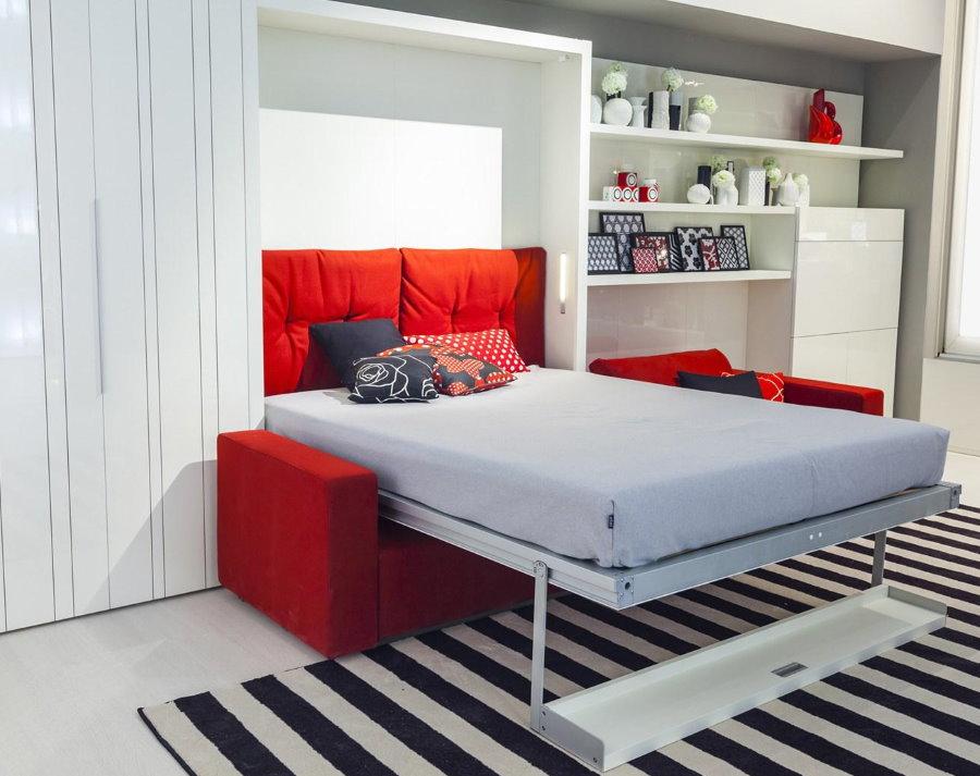 Lit pliant dans un petit appartement