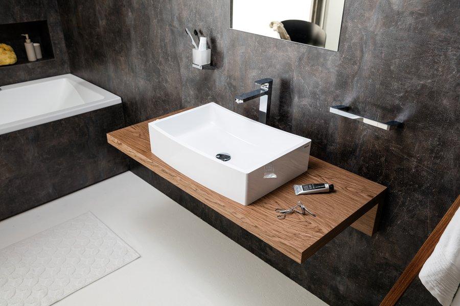 évier sur comptoir en bois