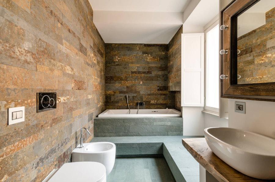 Carreaux pour le vieux métal dans le type combiné de salle de bain