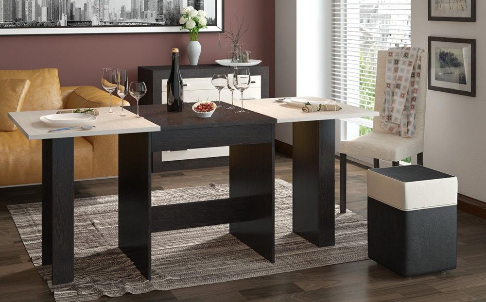 Table en bois aggloméré avec plans de travail de différentes couleurs