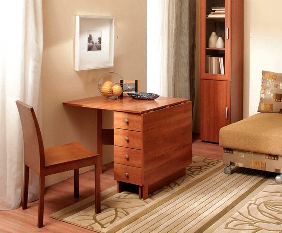 Table à tiroirs avec tiroirs