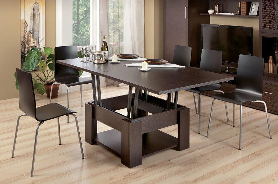 Table transformable pour les dîners dans le salon