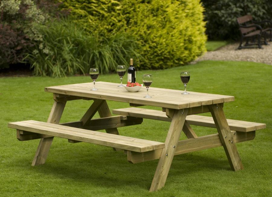 Meubles en bois pour l'espace détente du jardin