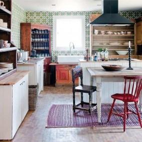 doublure à l'intérieur de la cuisine