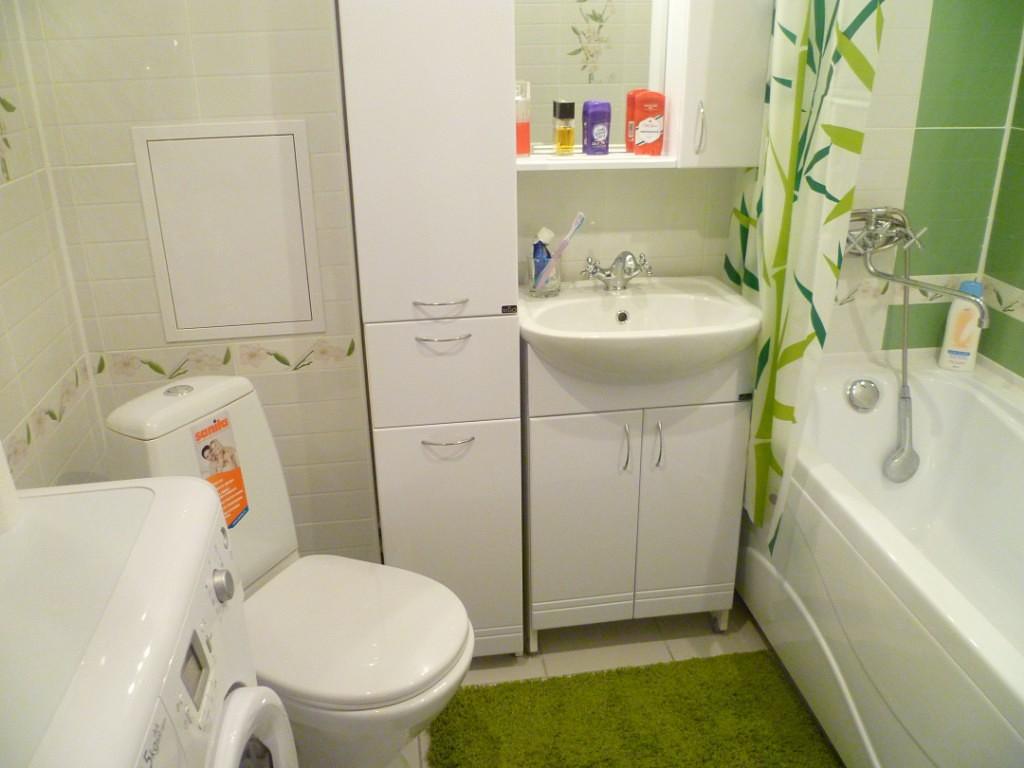 phòng tắm màu Khrushchev
