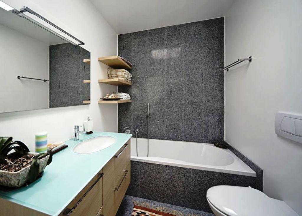 Phòng tắm trong kệ gỗ Khrushchev