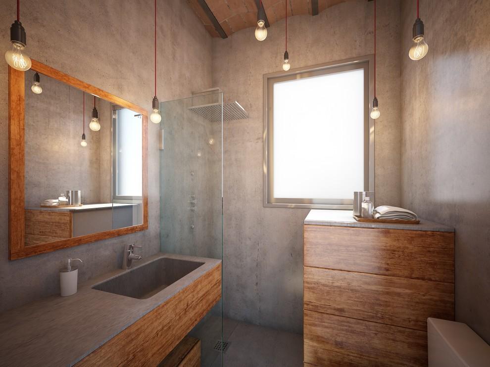 Douche à effet pluie dans une petite salle de bain sans WC