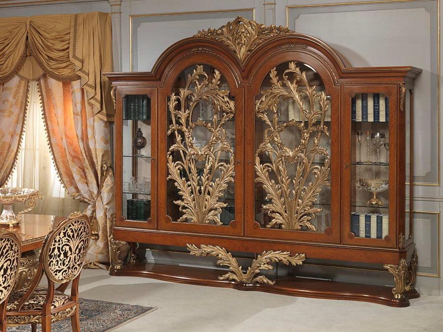Tủ trưng bày bằng gỗ để lưu trữ các món ăn trong hội trường theo phong cách cổ điển