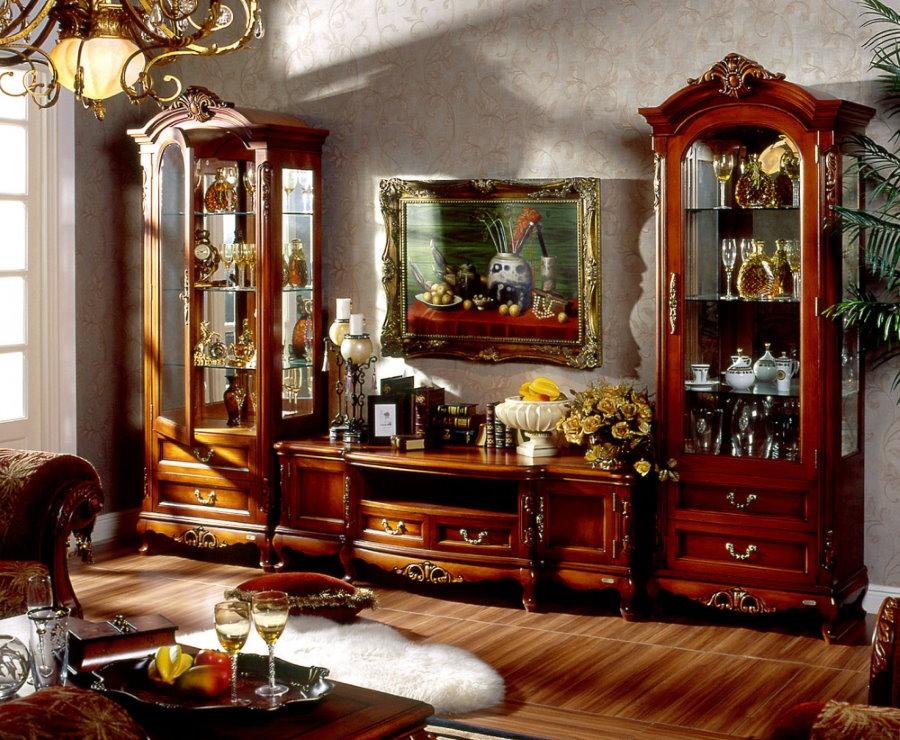 Showcase trượt cổ điển cho các món ăn trong phòng khách