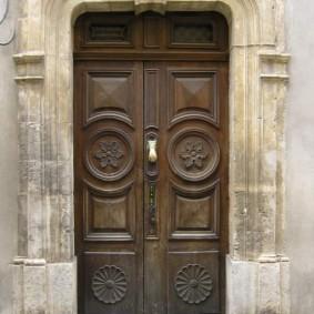 idées de décoration de portes d'entrée en bois
