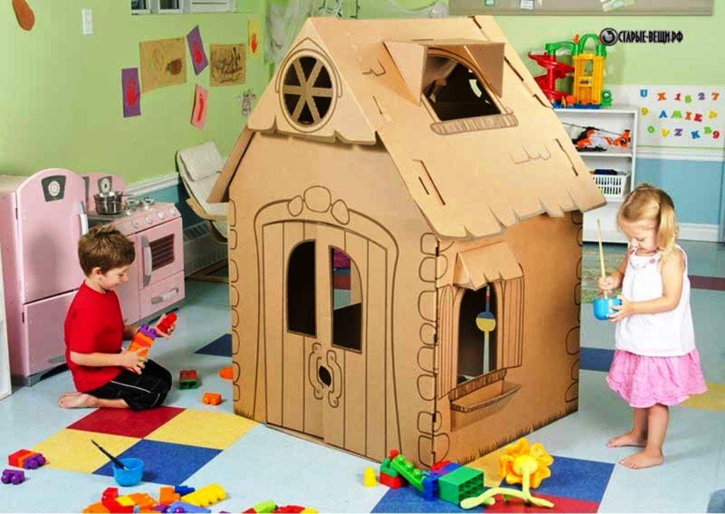 maison en carton pour enfants