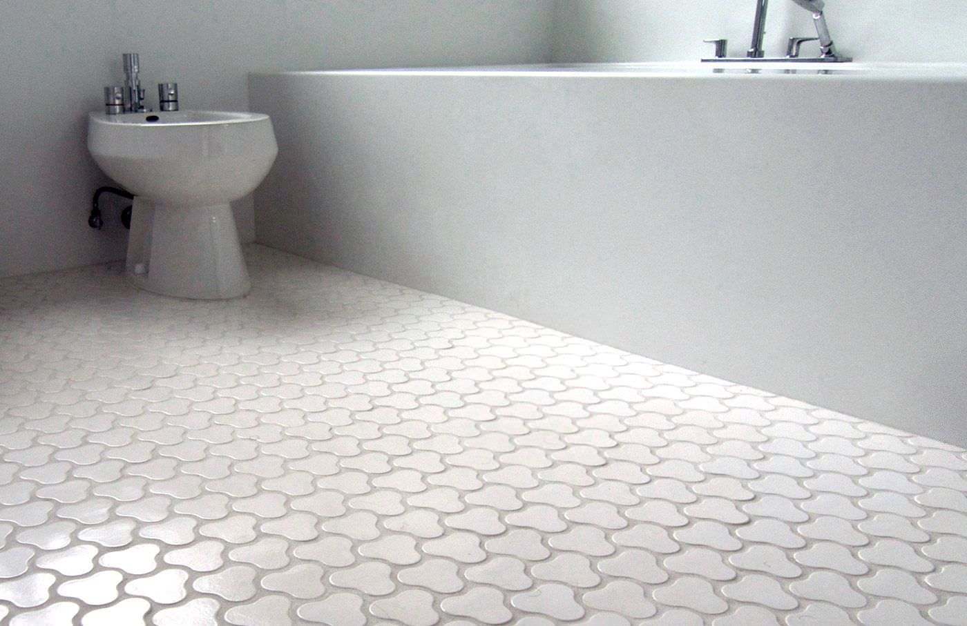 carreaux de céramique dans la salle de bain