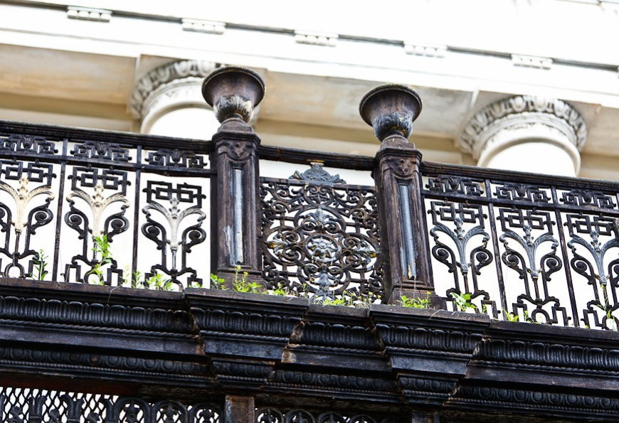 Garde-corps de balcon en fonte de style classique