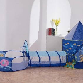 maison d'enfants avec tunnel