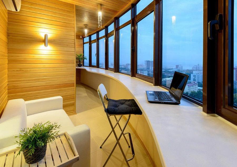 Coin de repos sur le balcon vitré