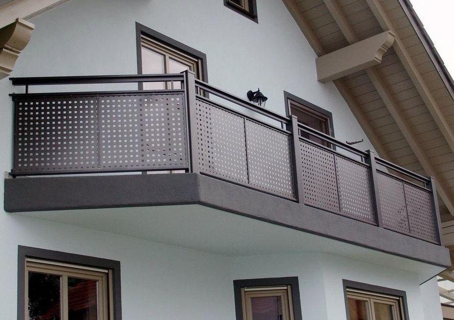 Extérieur du balcon avec garde d'écran