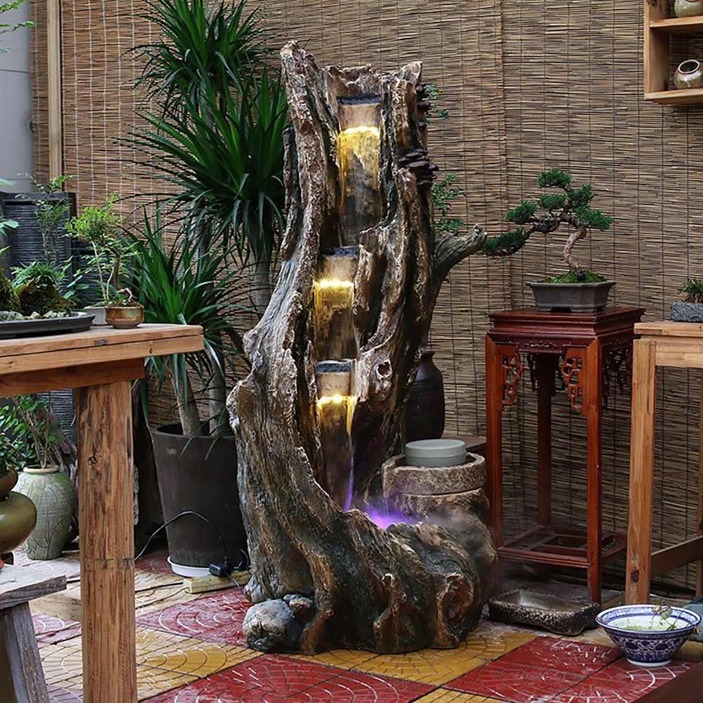 Intérieur du salon avec cascade décorative
