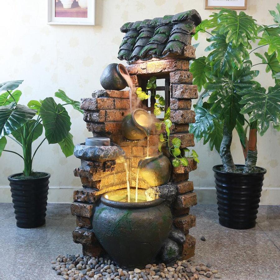 Fontaine décorative lumineuse dans le salon