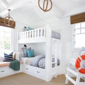 Chambre d'enfant de style marin blanc