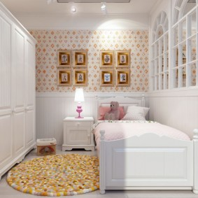 Petite chambre confortable pour les enfants