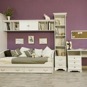 Un ensemble de mobilier modulable pour un enfant d'écolier