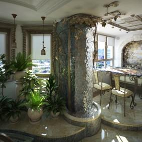 Jardin intérieur avec cascade décorative sur le mur
