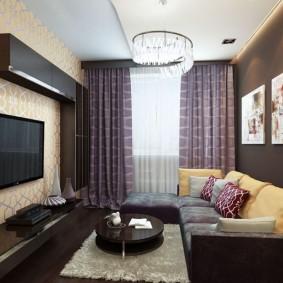 Mur marron dans le salon