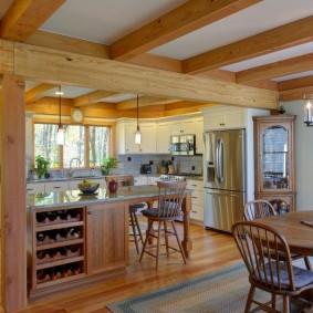 Décor de plafond avec poutres en bois naturel