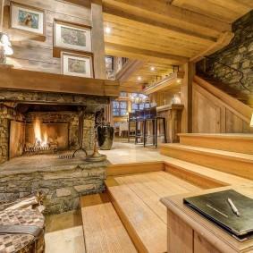 Escalier de maison en planches de bois
