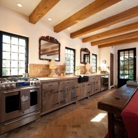 Cuisine-salon dans une maison privée